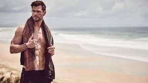 Chris Hemsworth: Das macht der Donnergott im Home Office