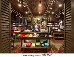hollister shop