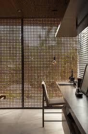 Holzgitter Als Sichtschutz Für Innen In Einem Luxushaus