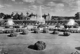 of visitors each year with firework displays and illuminated fountain shows the initial er began to wear off and wear thin the longwood gardens