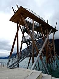 Links und rechts sichern geländer den weg ab. 7 Aussichtsturm Mit Treppe Ideas Architecture Amazing Architecture Architecture Details
