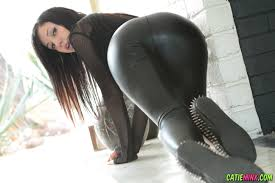 Shaved Catie Minx with Asshole Wearing Leggings 4.jpg