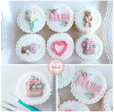 Mothers Day Class Lady Berry Cupcakes