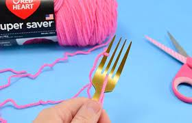 how to make fork pompoms dream a