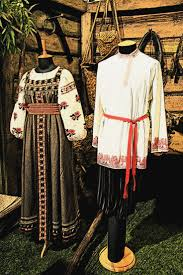 best images about russian traditional costume russian traditional costumes on display in a moscow museum folk
