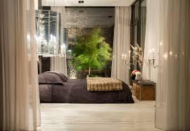 Living In A Box Schlafzimmer Bett Kronleuchter