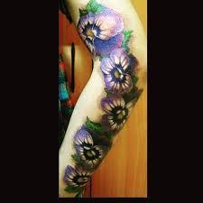 фото татуировки фиалок на руке девушки фото рисунки эскизы