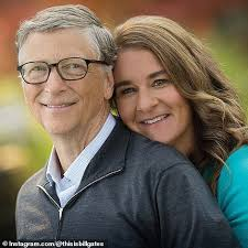 Melinda gates, wife of microsoft founder and business magnate bill gates, has shared an unseen wedding photo from their 1994 wedding on social media. Tuq7 Sjph2qqmm