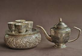 you can gift a silver tea set a lavish dinner set or a stylish can tea mug if you are not very keen on regular gifting items then adding a dash of