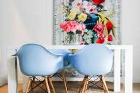 Image 60s Modern These Shell Chairs Are One Of The Most Versatile and Ubiquitous Of All Mid century Designs you Can See More Of This Spanish Apartment Here Apartment Therapy Why Is Midcentury Modern Furniture So Damn Popular Apartment Therapy