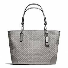 COACH f26767 MADISON NEEDLEPOINT OP ART EAST WEST TOTE SILVER LIGHT GREY