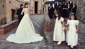 view modern wedding dresses