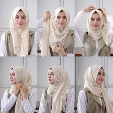 Hasil gambar untuk cara memakai hijab segi empat simple dan modis