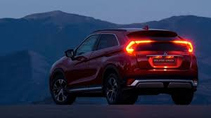 2018 mitsubishi eclipse cross. contemporary 2018 2018 mitsubishi eclipse cross  overview with mitsubishi eclipse cross