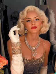 Marilyn Monroe Hairstyle Get The Marilyn Look The Smash Make Up Artist Shares Her Tricks