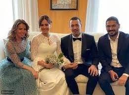 والدة معز مسعود في أول ظهور لها بإطلالة محتشمة دون حجاب - ليالينا