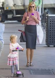 Aerin Rose Size Chart Sarah Murdoch Seen Running Errands With Daughter Aerin In
