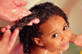 خلطات لتنعيم شعر الاطفال الخشن مجلة هي