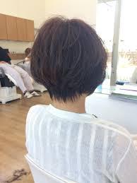 40代女性へオススメする上品な前下がりショートヘア 大分市美容室