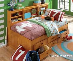 normal kids bedroom. Kids Room Design With Oak Daybed Trundle And Decorative Pillows Normal Bedroom