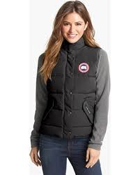 Women s Canada Goose  Freestyle  Slim Fit Down Vest, Size XX-Small (