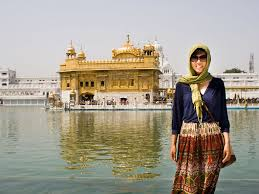 golden temple amritsar punjab sonya and travis sonya at the golden temple