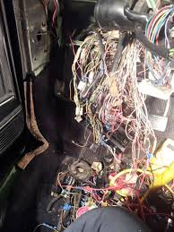 vw rabbit forum 1982 convertable wiring fun volkswagen rabbit starting to be many less blue connectors and it s looking like a harness