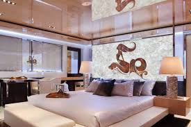Weisser Quarz White Quartz Yacht Schlafzimmer Yachtinterieur Hinten