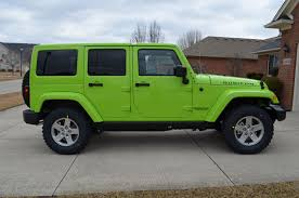 2012 jeep gecko pearl green too bright for a 911 too close to signal green
