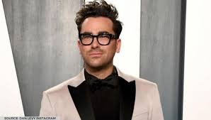 Dan levy is part of the new generation of jewish comedic superstars. Dan Levy Praises His Mom After Emmys Win Says I Couldn T Sleep Without Thanking My Mom