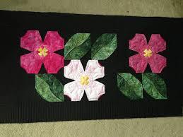 Carolina Dogwood - tablerunner - Quilt Pictures, Patterns ... & 14667574021_790b1a0f21.jpg Carolina Dogwoods ... Adamdwight.com