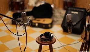 Desain studi musik bertema gothic eropa. 9 Tips Membuat Desain Ruang Musik Di Rumah Keren