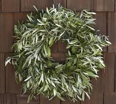 5 favorites holiday wreaths by post