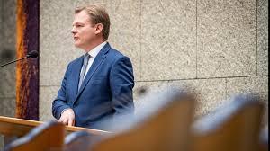 Volgens een bericht van 11 oktober 2020 zei omtzigt. Protester Who Assaulted Mp Pieter Omtzigt Arrested Teller Report