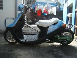 yamaha jog for sale. favorite yamaha jog aprio here in the philippines. i saw this one up for sale way back. just hope someone took good care of because man! it looks s