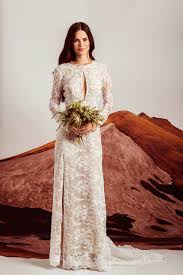 29 non traditional fall wedding dresses for the modern bride
