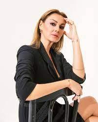 Pınar Altuğ kimdir, kaç yaşında? Pınar Altuğ aslen nereli, kaç kez evlendi?  - Taarruz.Net