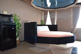 The 10-Sized Bed With Mirror Above- Arabian Night- Greenwood Fanta suites