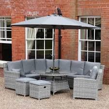 how to rattan garden furniture