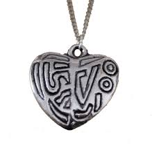 details about antique look engraved heart shape pendant necklace on silver plated chain 25mm