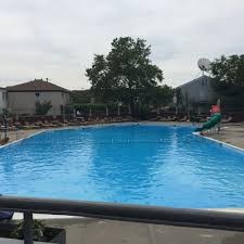 ... swim club that offers a nice alternative to a city beach or pool.  Memberships and daily admission are available to the public.