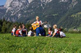 Most notably and visually recognisable are nonnberg abbey, mirabell palace gardens, domplatz and residenzplatz. Sound Of Music Filming Locations In Salzburgerland