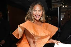 New cut!! chrissy excitedly announced in the caption. Chrissy Teigen Got A Rachel Haircut