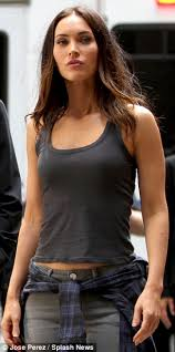 not quite masterpiece theatre megan fox was joined by laura linney on the set of