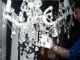 how to clean chandelier how to clean a chandelier clean chandelier diy