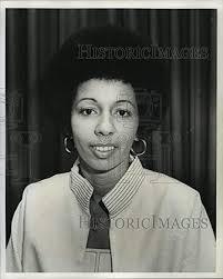 Amazon.com: Historic Images 1976 Press Photo Mrs. Joan Rhodes Brown -  noa48015: Photographs