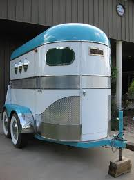 17 best ideas about horse trailers sofa bed double turquoise and white horse trailer i want to restore a two horse trailer like this