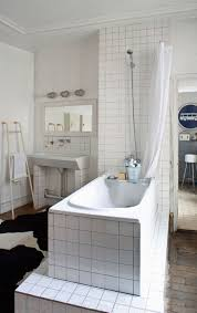 Bathroom: Small Outdoor Bathrooms - Classic Bathroom