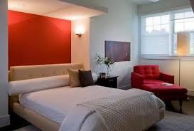 Idee Dipingere Mansarda : Come dipingere la parete dietro al letto