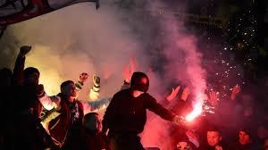 Berliner fussball club dynamo e. Fan Krawalle Beim Spiel Gegen Hannover 96 Sportgericht Schliesst Dynamo Dresden Vom Dfb Pokal Aus Sport Sz De